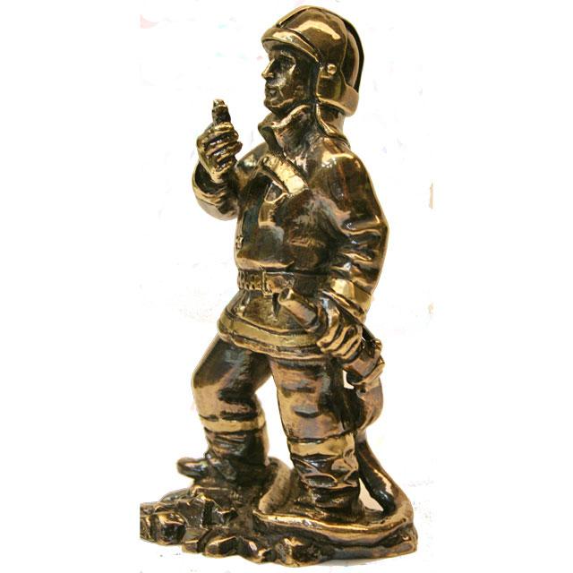 Статуэтка Пожарный от 3 750 руб